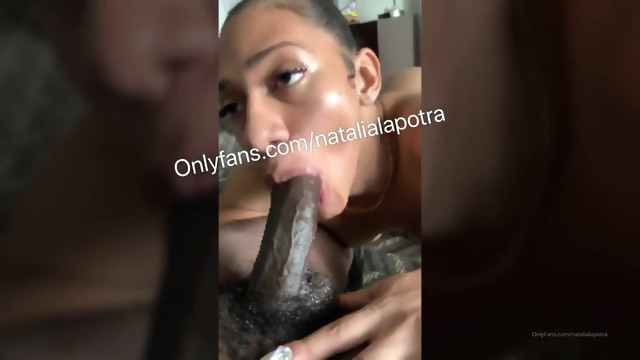 Blatina tranny.. amateur big ass big cock