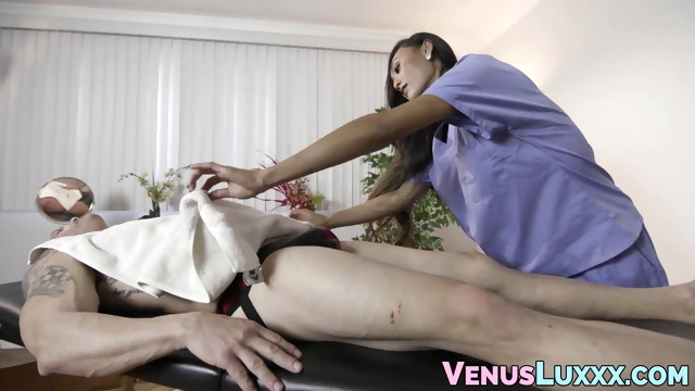 Asian ladyboy gets.. ladyboy big cock blowjob